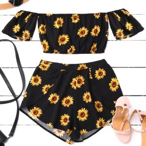 🍓2 for $30🍓 Zaful Sunflower two piece set